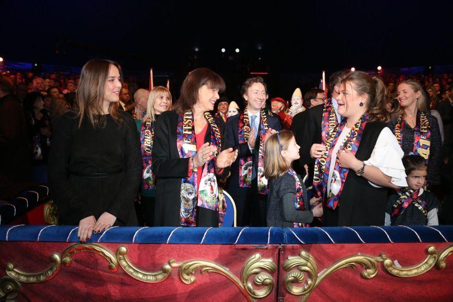 Stéphanie De Monaco, Pauline Et Camille, Un Week end Entre Filles Au Cirque 12