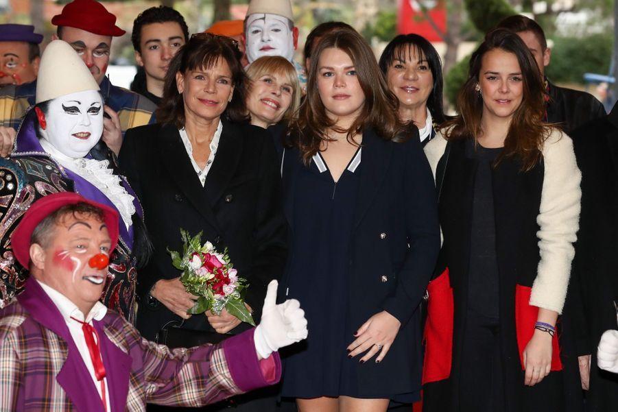 Stéphanie De Monaco, Pauline Et Camille, Un Week end Entre Filles Au Cirque 13