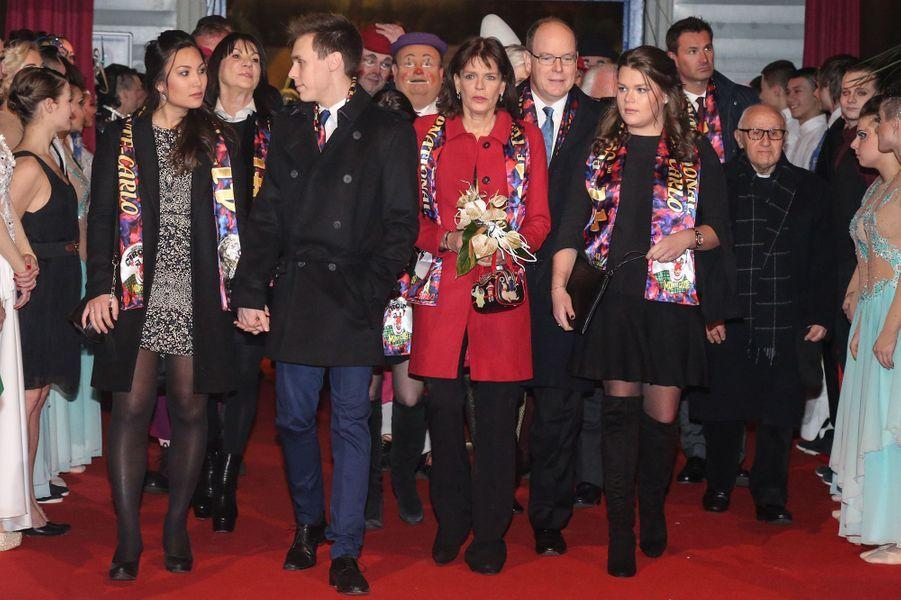 La princesse Stéphanie et le prince Albert II de Monaco, avec Louis Ducruet, son amie Marie, et Camille Gottlieb au festival du Cirque de Monte-Carlo, à Monaco le 24 janvier 2017