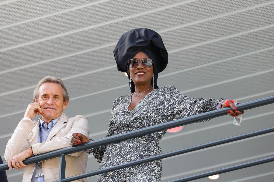 L'ancien pilote Jacky Ickx et son épouse Khadja Nin