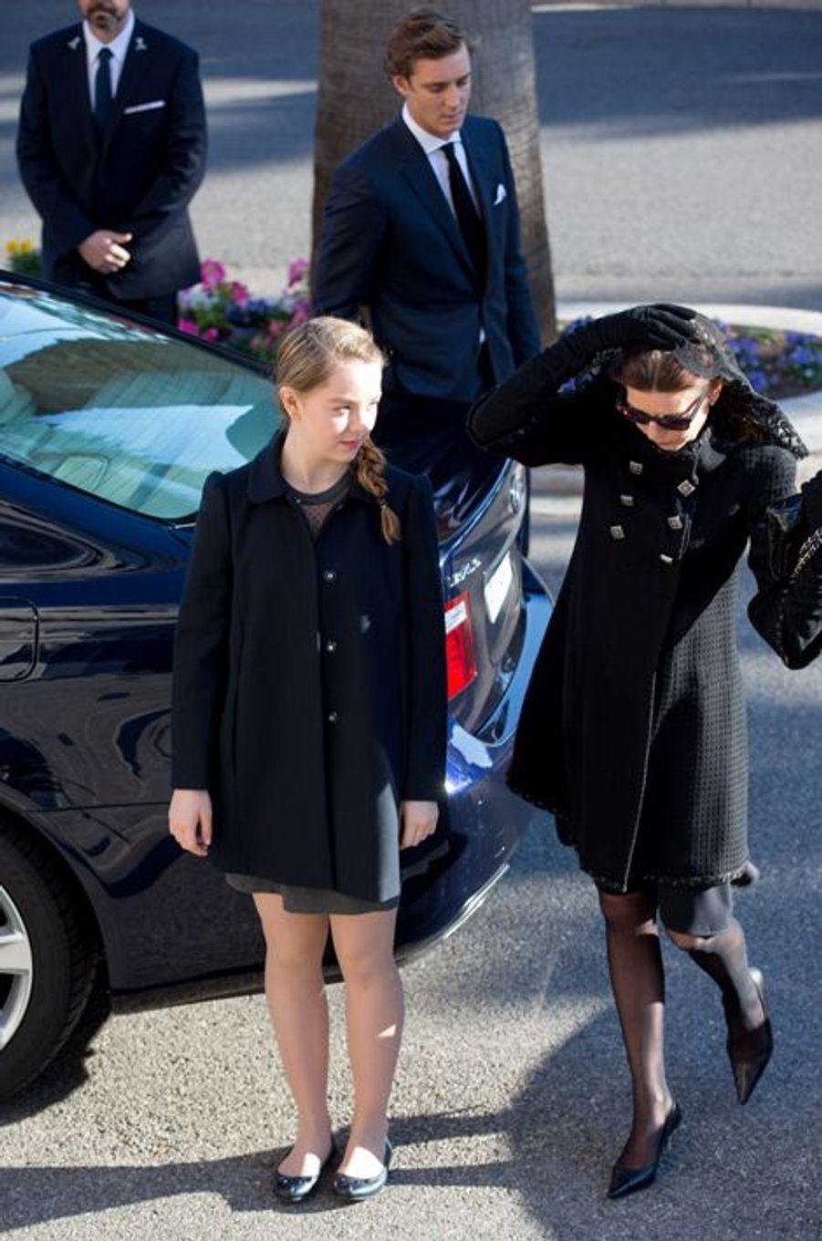 Les princesses Caroline et Alexandra de Hanovre, à Monaco le 7 avril 2015