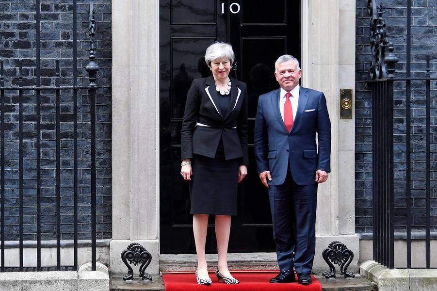 Le roi Abdallah II de Jordanie avec la Première ministre britannique Theresa May à Londres, le 28 février 2019