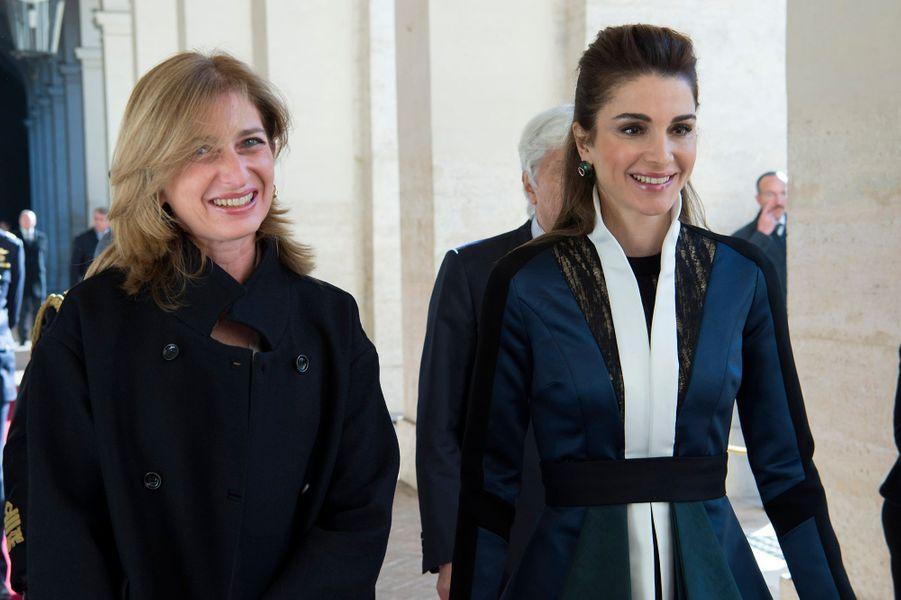 La reine Rania de Jordanie avec Laura Mattarella à Rome, le 10 décembre 2015