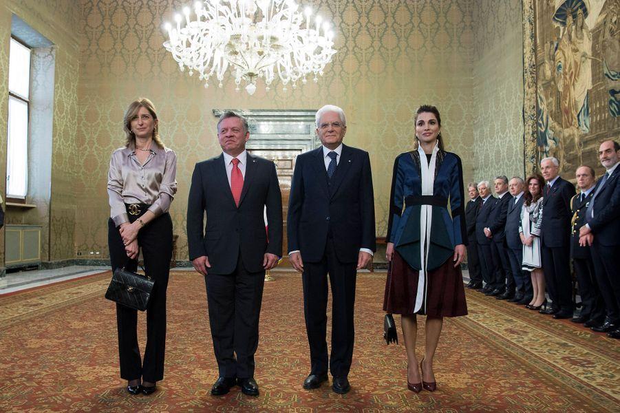 La reine Rania et le roi Abdallah II de Jordanie avec Sergio Mattarella et sa fille Laura à Rome, le 10 décembre 2015