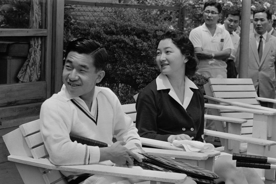 Le prince Akihito du Japon et sa femme la princesse Michiko, le 1er juin 1959