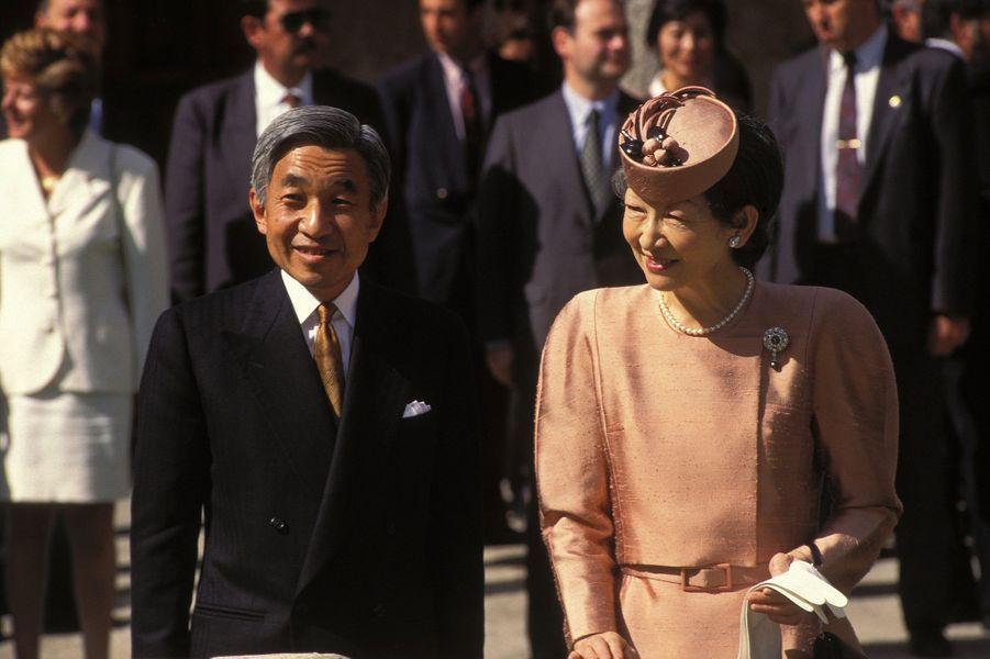 L'empereur Akihito du Japon et l'impératrice Michiko, le 11 octobre 1994