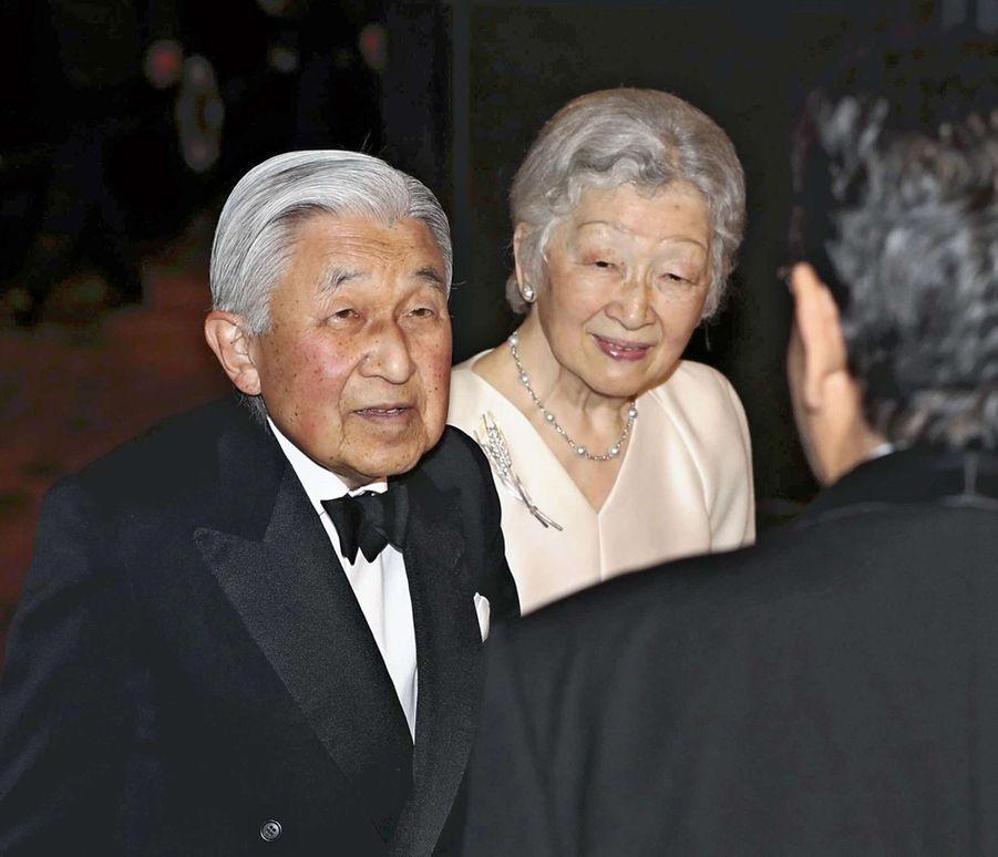 L'empereur Akihito et l'impératrice Michiko du Japon au banquet du Japan Prize à Tokyo, le 8 avril 2019