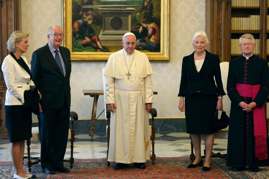 Albert de Belgique et Paola reçus par le Pape François