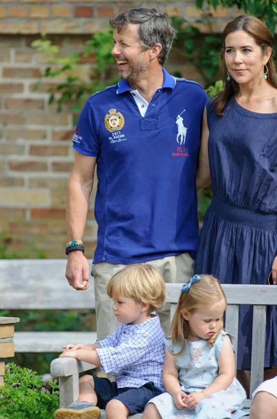 Joséphine et Vincent, enfants jumeaux de Mary et Frederik de Danemark, en 2013