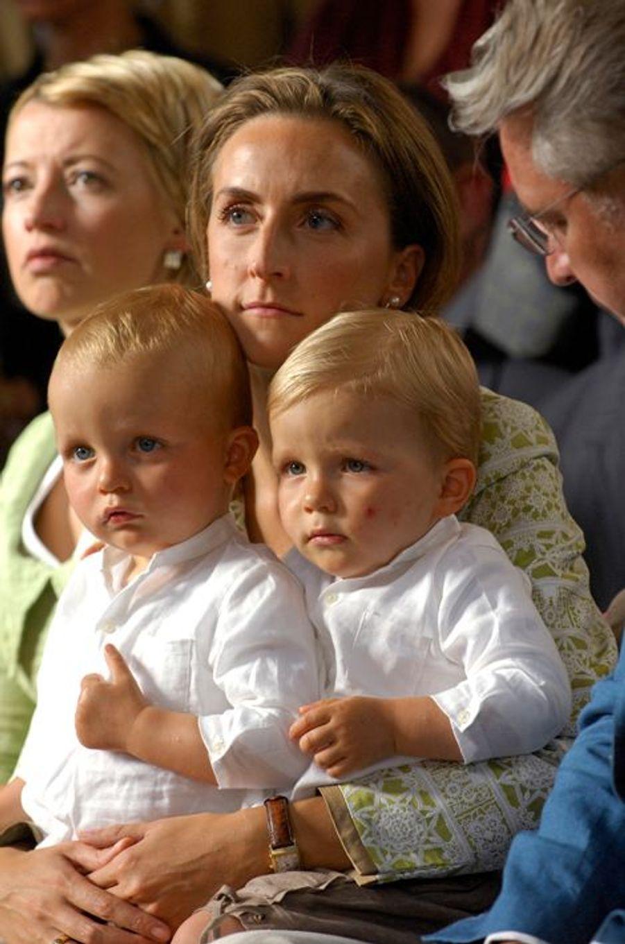 Nicolas et Aymeric, fils jumeaux de Laurent et Claire de Belgique en 2007