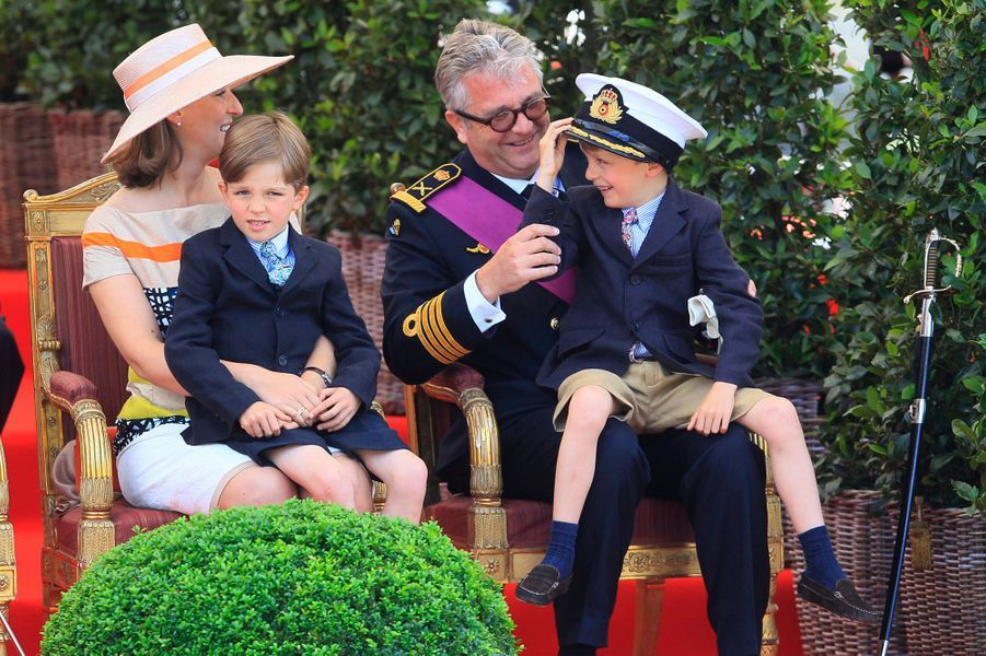 Nicolas et Aymeric, fils jumeaux de Laurent et Claire de Belgique en 2012