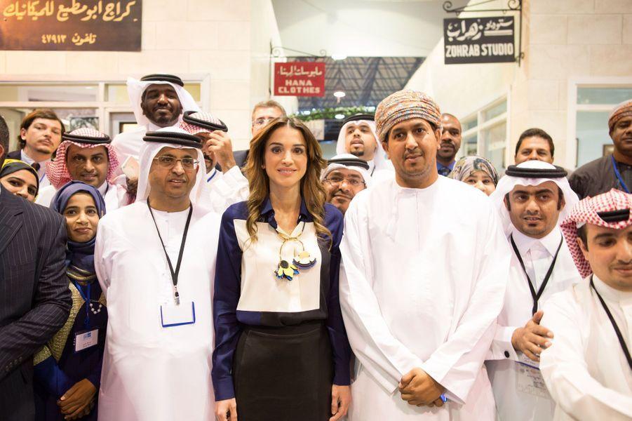 La reine Rania de Jordanie reçoit journalistes et représentants de médias sociaux à Amman, le 25 mars 2015