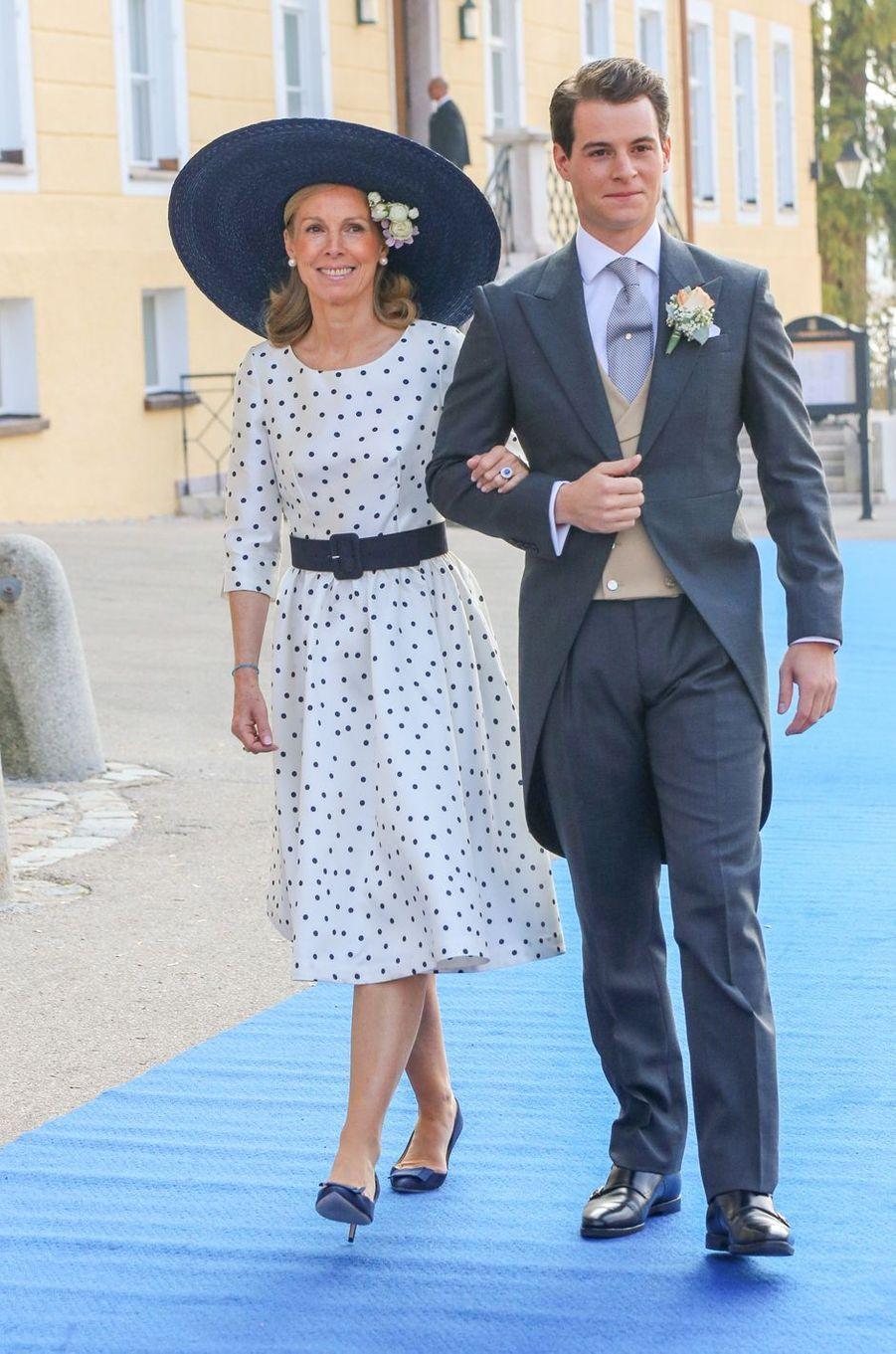Le comte Maximilien d'Andigné, au bras de sa mère, à Tegernsee le 20 octobre 2018