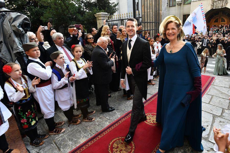 Le prince Filip de Serbie et sa mère à Belgrade, le 7 octobre 2017