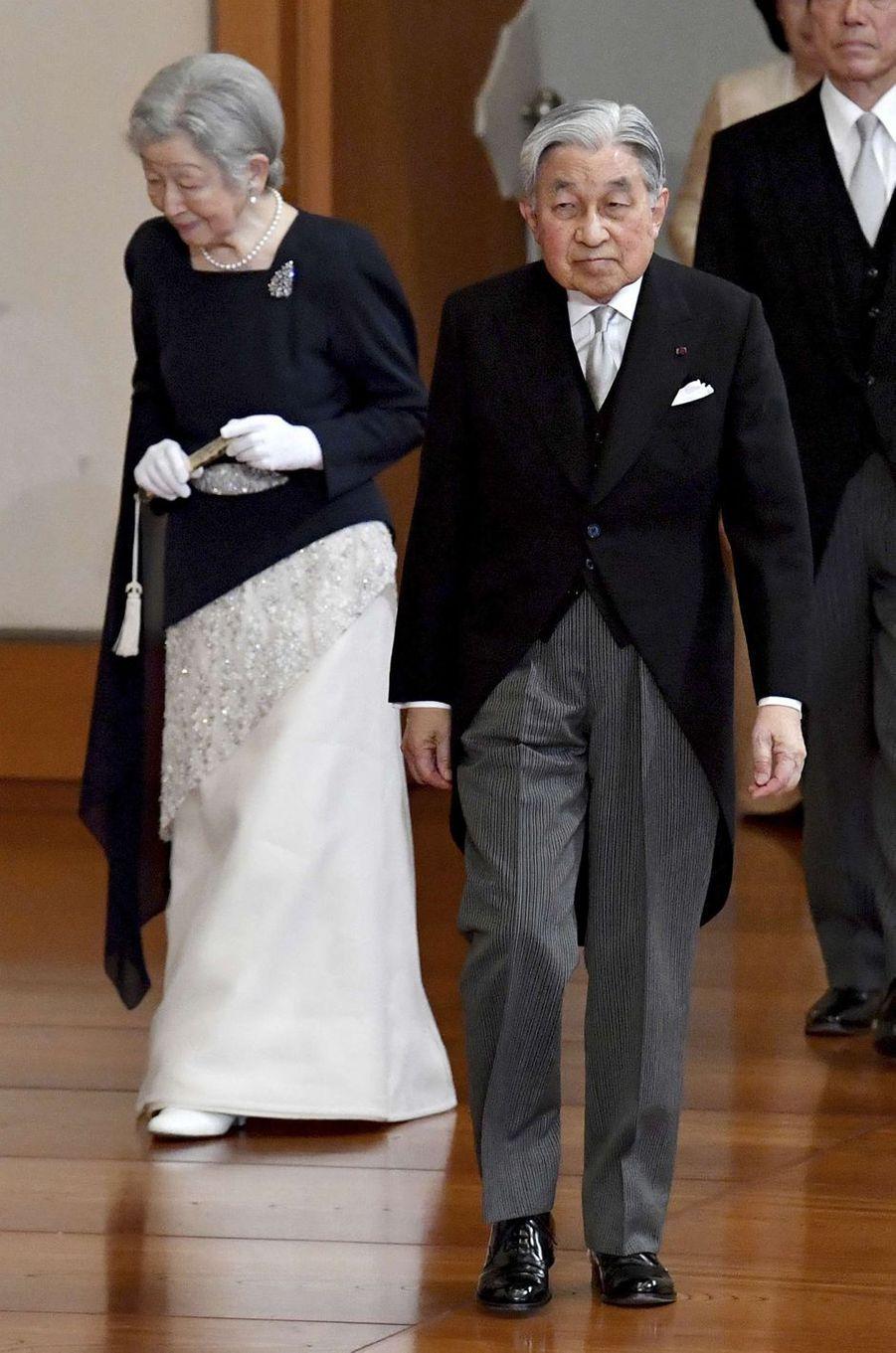 L'impératrice Michiko et l'empereur Akihito du Japon à Tokyo, le 26 octobre 2018