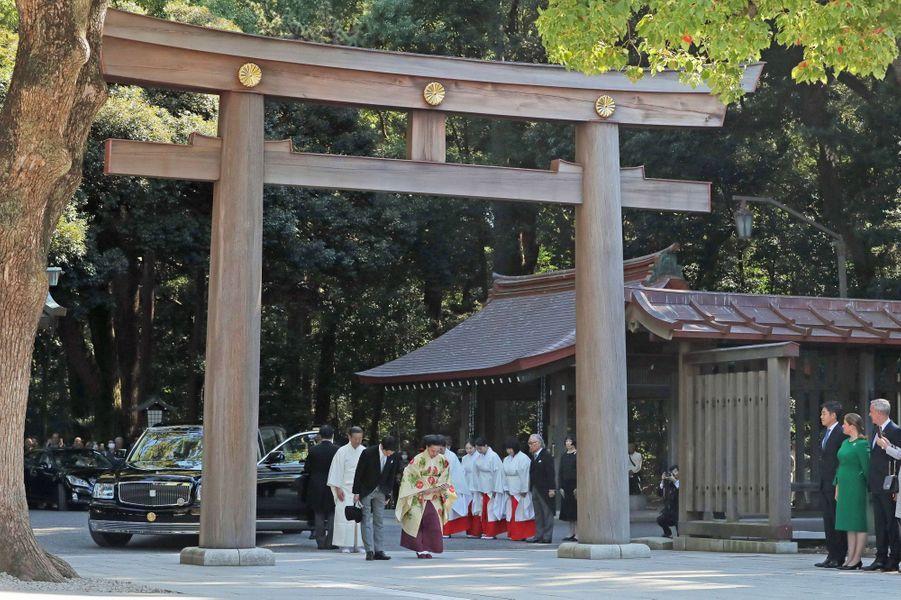 La princesse Ayako du Japon et Kei Komuro au sanctuaire Meiji Jingu à Tokyo, lors de leur mariage le 29 octobre 2018