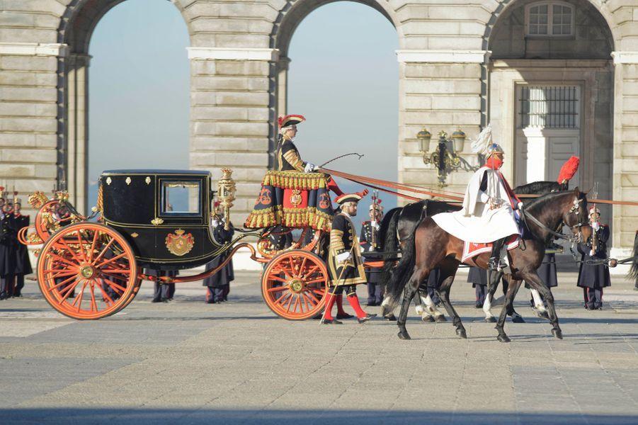 Le roi Felipe VI se rend au Palais royal à Madrid, le 8 janvier 2015