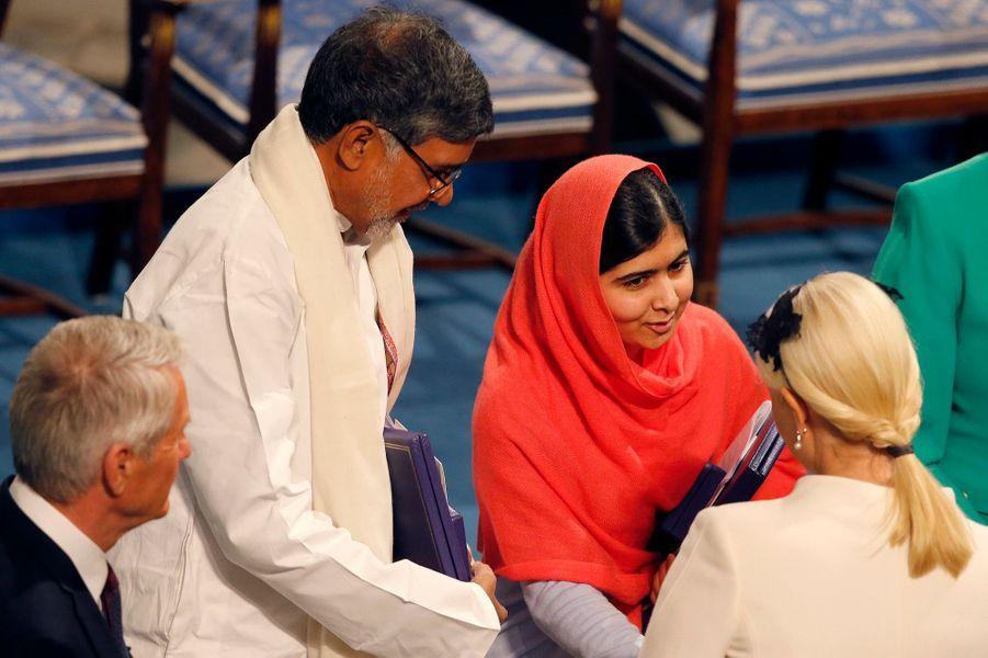 La princesse Mette-Marit avec Malala Yousafzai et Kailash Satyarthi à Oslo, le 10 décembre 2014