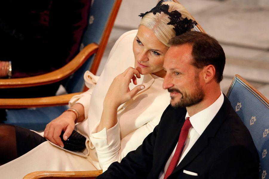 La princesse Mette-Marit et le prince Haakon de Norvège à la remise du prix Nobel de la Paix à Oslo le 10 décembre 2014