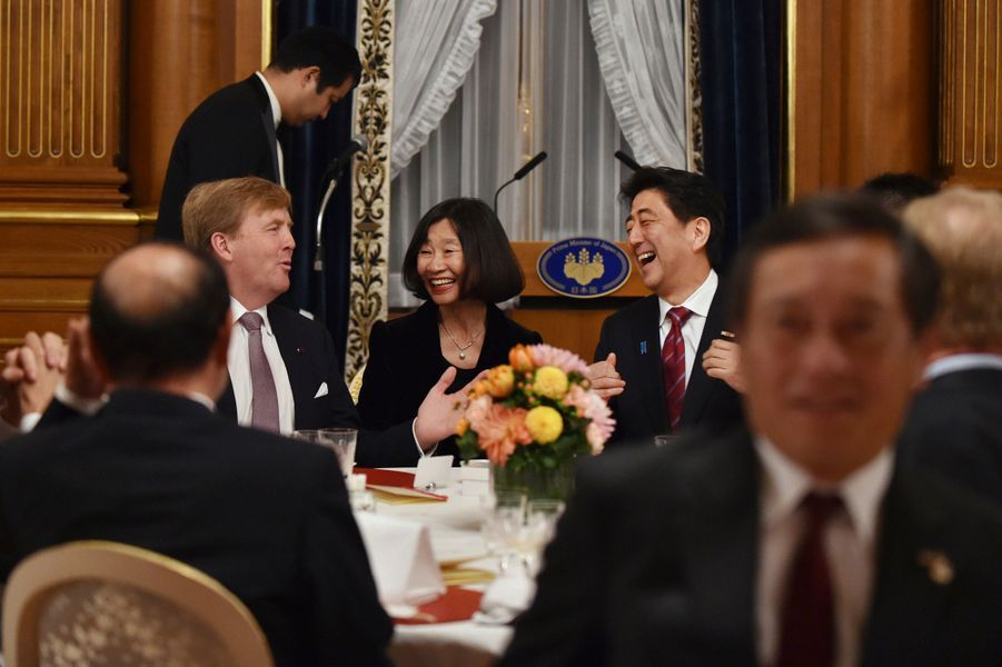 Le roi Willem-Alexander des Pays-Bas au banquet du Premier ministre Shinzo Abe, le 30 octobre 2014