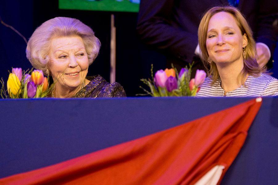 L'ex-reine Beatrix, avec sa nièce la princesse Margarita de Bourbon Parme au Jumping Amsterdam, le 31 janvier 2015