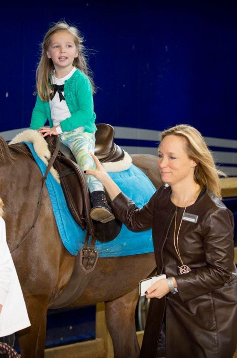 La princesse Margarita de Bourbon Parme et sa fille Paola au Jumping Amsterdam, le 1er février 2015