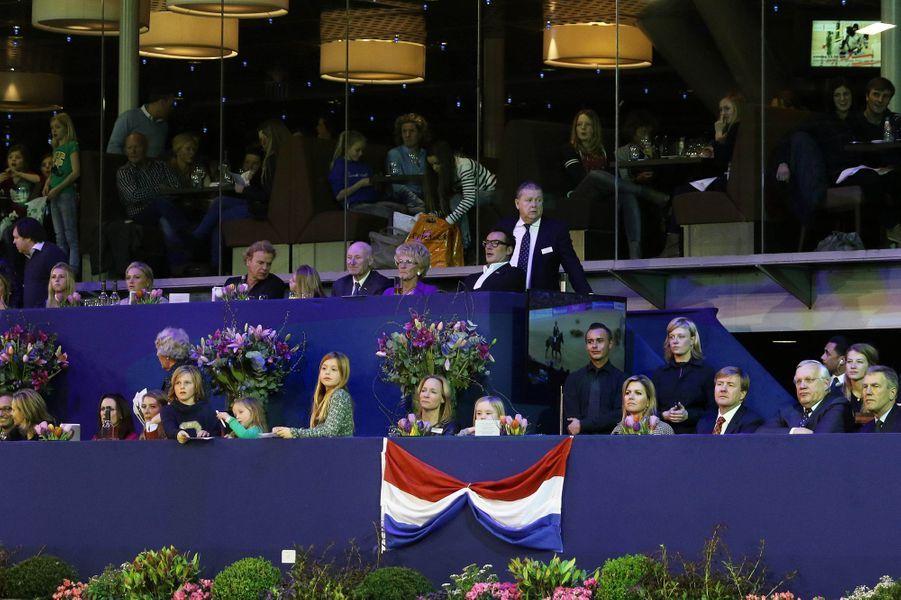 Le roi Willem-Alexander, la reine Maxima et les princesses Alexia et Ariane au Jumping Amsterdam, le 1er février 2015