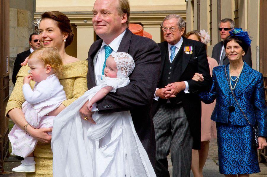 Baptême princier pour la petite Cecilia
