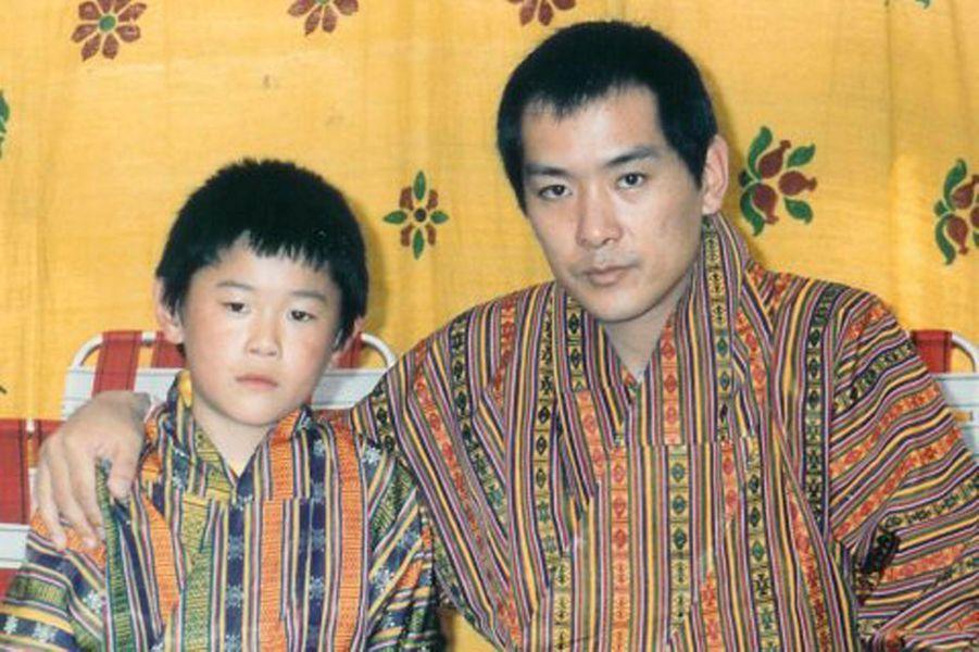 Le futur roi avec son père.