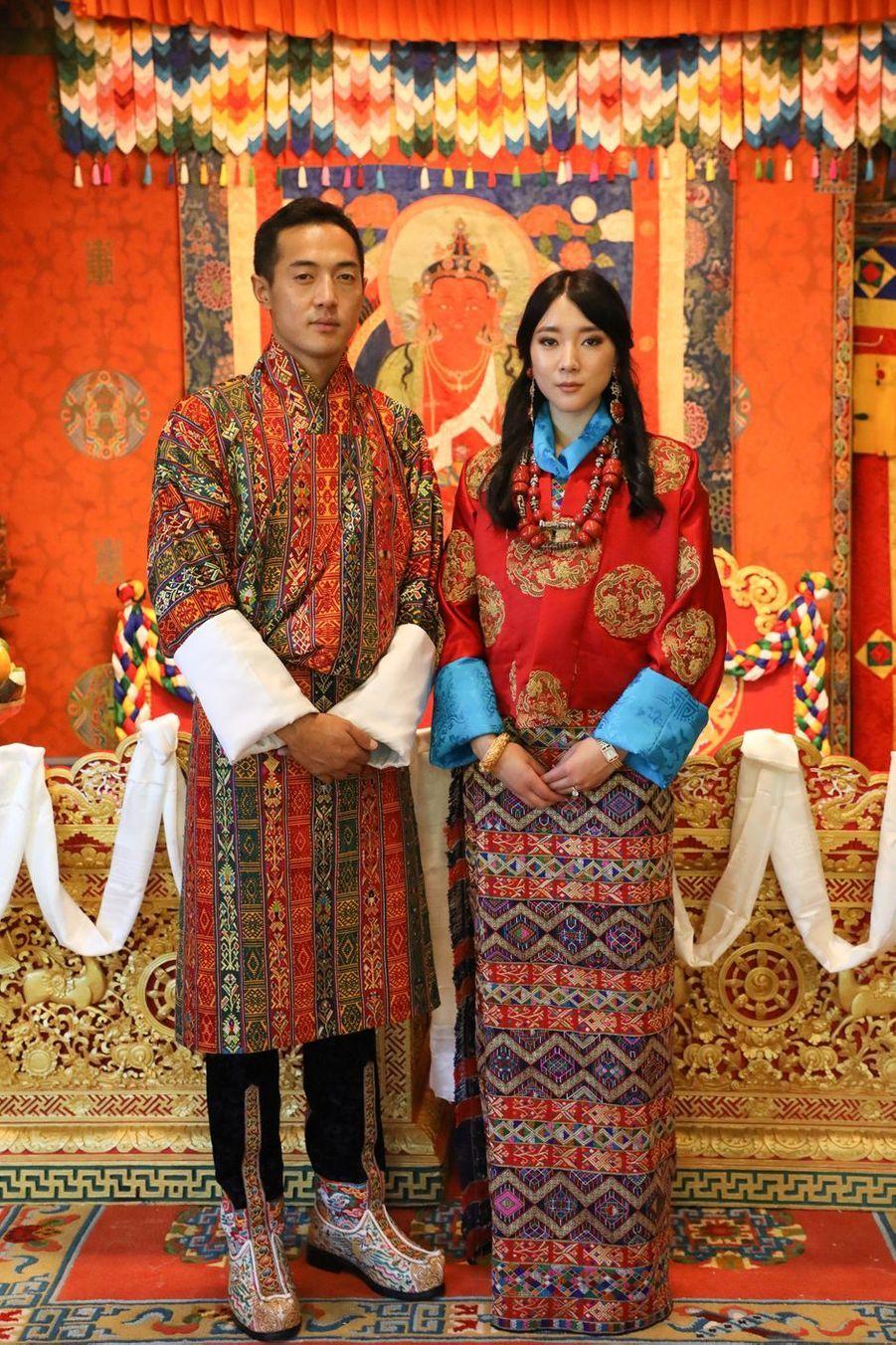 L'une des photos officielles du mariage de la princesse Eeuphelma Choden Wangchuck et de Dasho Thinlay Norbu, le 29 octobre 2020 à Thimphu