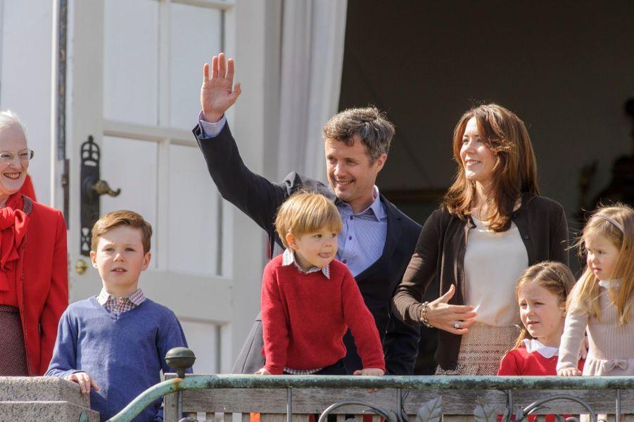 La Princess Josephine, le Prince Vincent, le Prince Christian, la Princesse Mary, le Prince Frederik