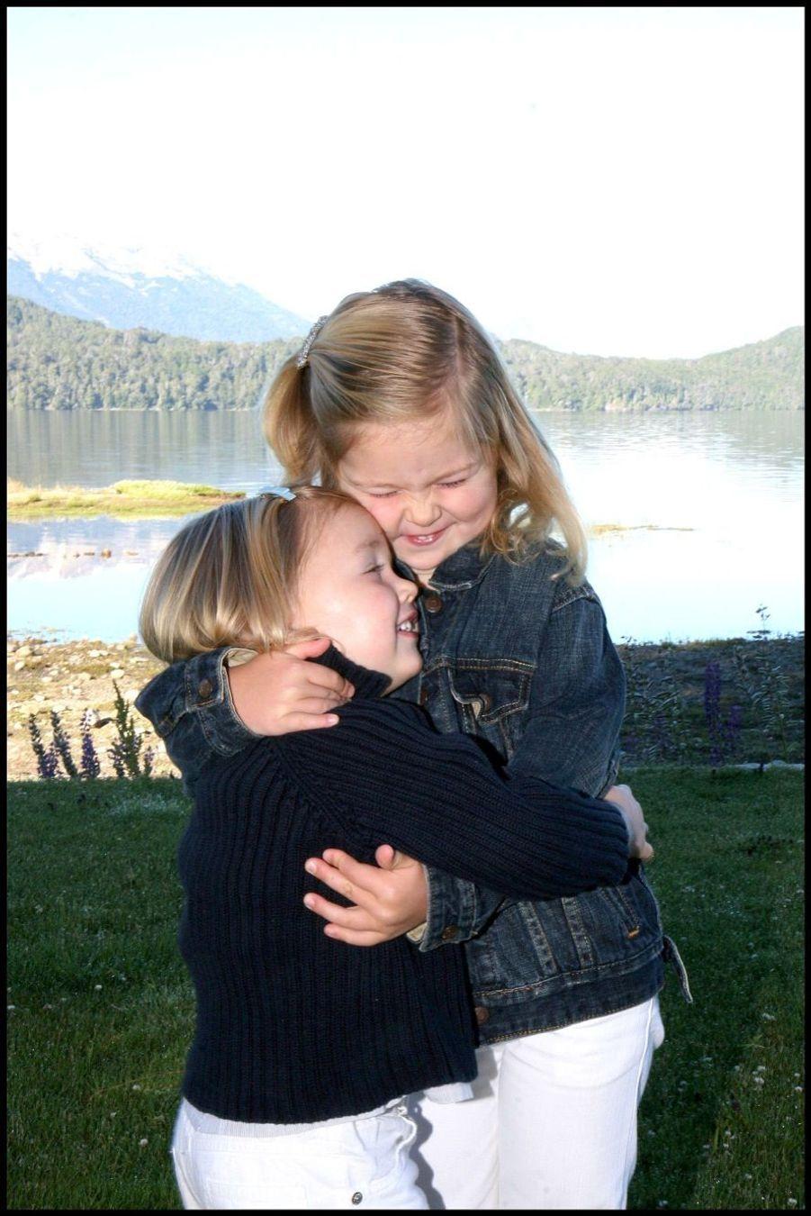 La princesse Catharina-Amalia avec sa soeur Alexia en janvier 2008