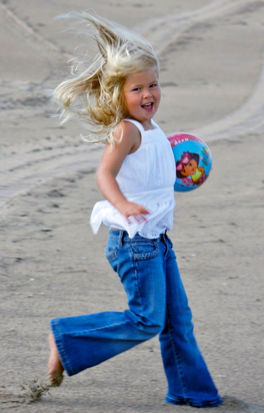 La princesse Catharina-Amalia sur la plage en juillet 2009