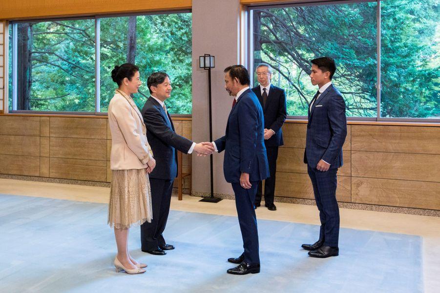 L'empereur Naruhito et l'impératriceMasako du Japon reçoivent le sultan de Brunei Hassanal Bolkiah et son fils le prince Abdul Mateen à Tokyo, le 23 octobre 2019