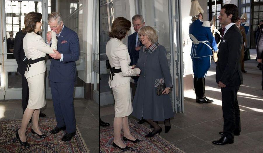 Baisemain et révérence pour la reine Silvia