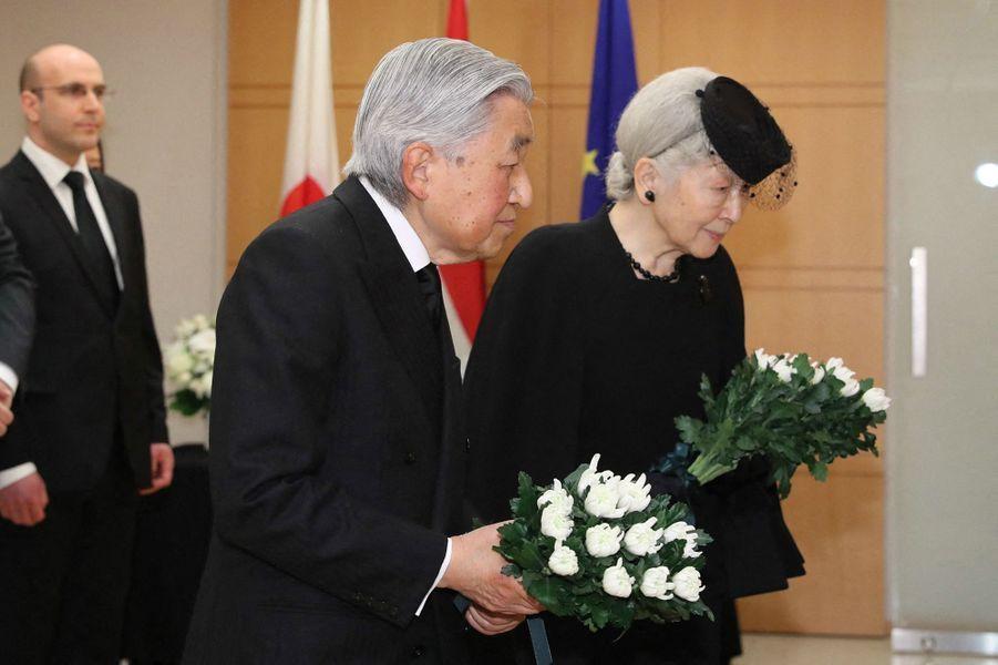 L'empereur Akihito du Japon et l'impératrice Michiko à Tokyo, le 25 avril 2019