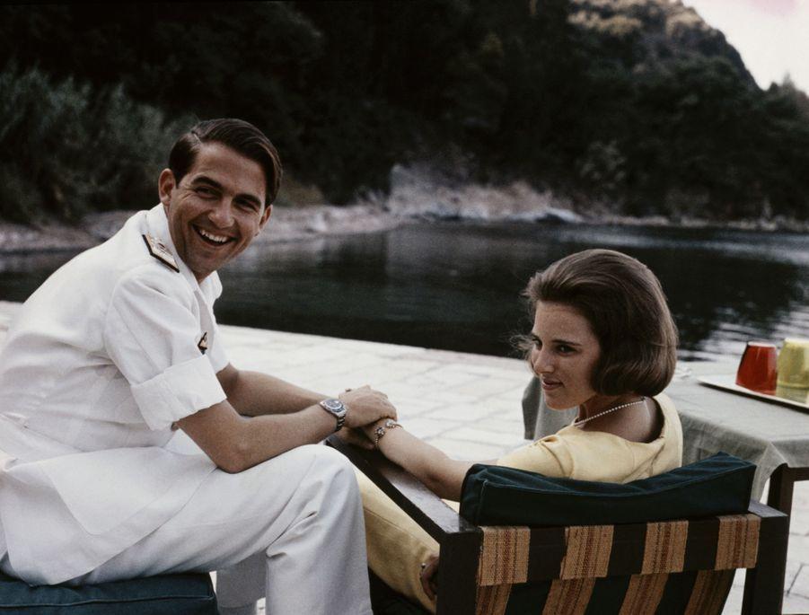 Le roi des Hellènes Constantin II avec la reine Anne-Marie, en 1964