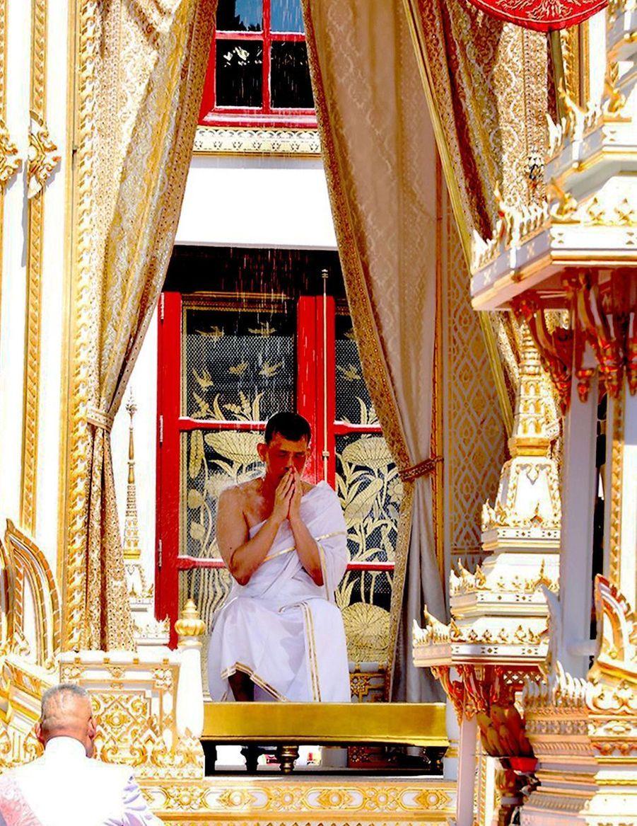 Le roi de Thaïlande Maha Vajiralongkorn (Rama X) le jour de son couronnement à Bangkok, le 4 mai 2019