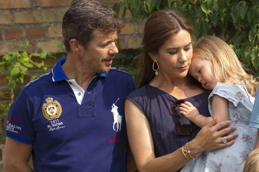 Le prince Frederik, la petite Joséphine et la princesse Mary