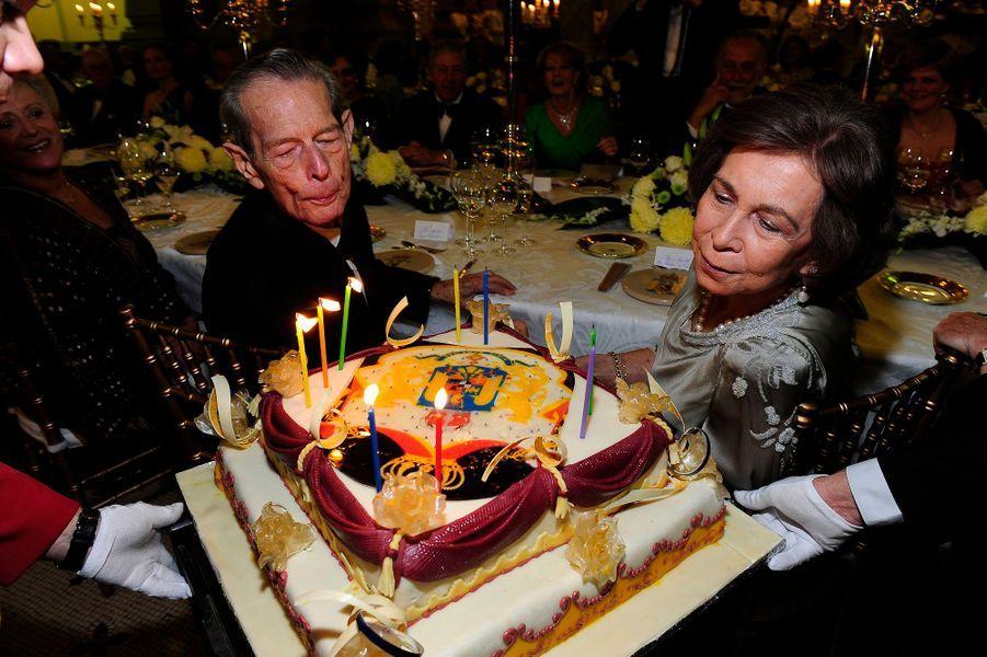 L'ex-roi Michel de Roumanie fête ses 90 ans avec la reine Sofia d'Espagne, sa cousine, le 25 octobre 2011 à Bucarest