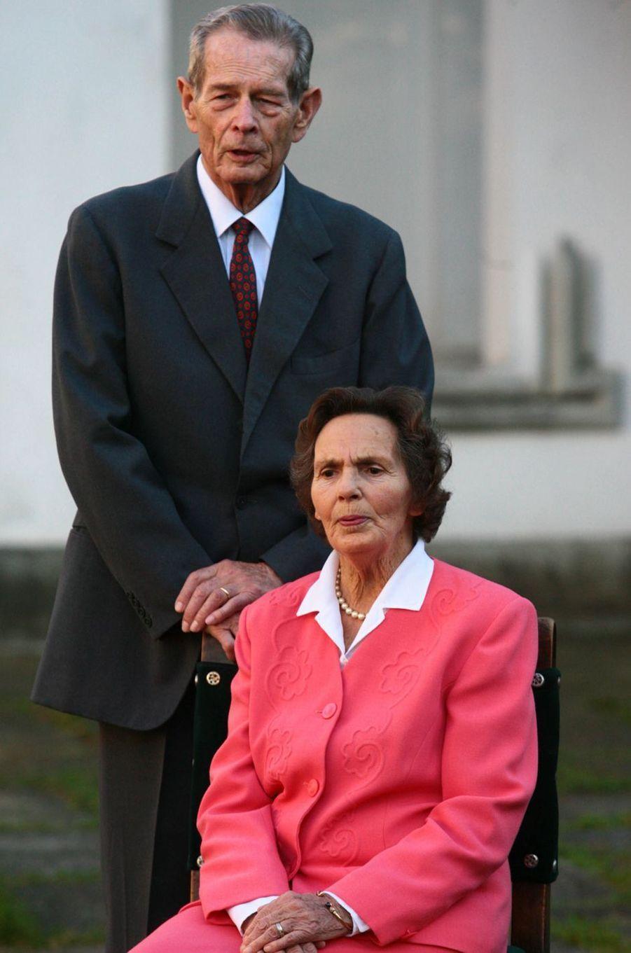 L'ex-roi Michel de Roumanie avec sa femme Anne de Bourbon-Parme, le 24 octobre 2006 à Bucarest