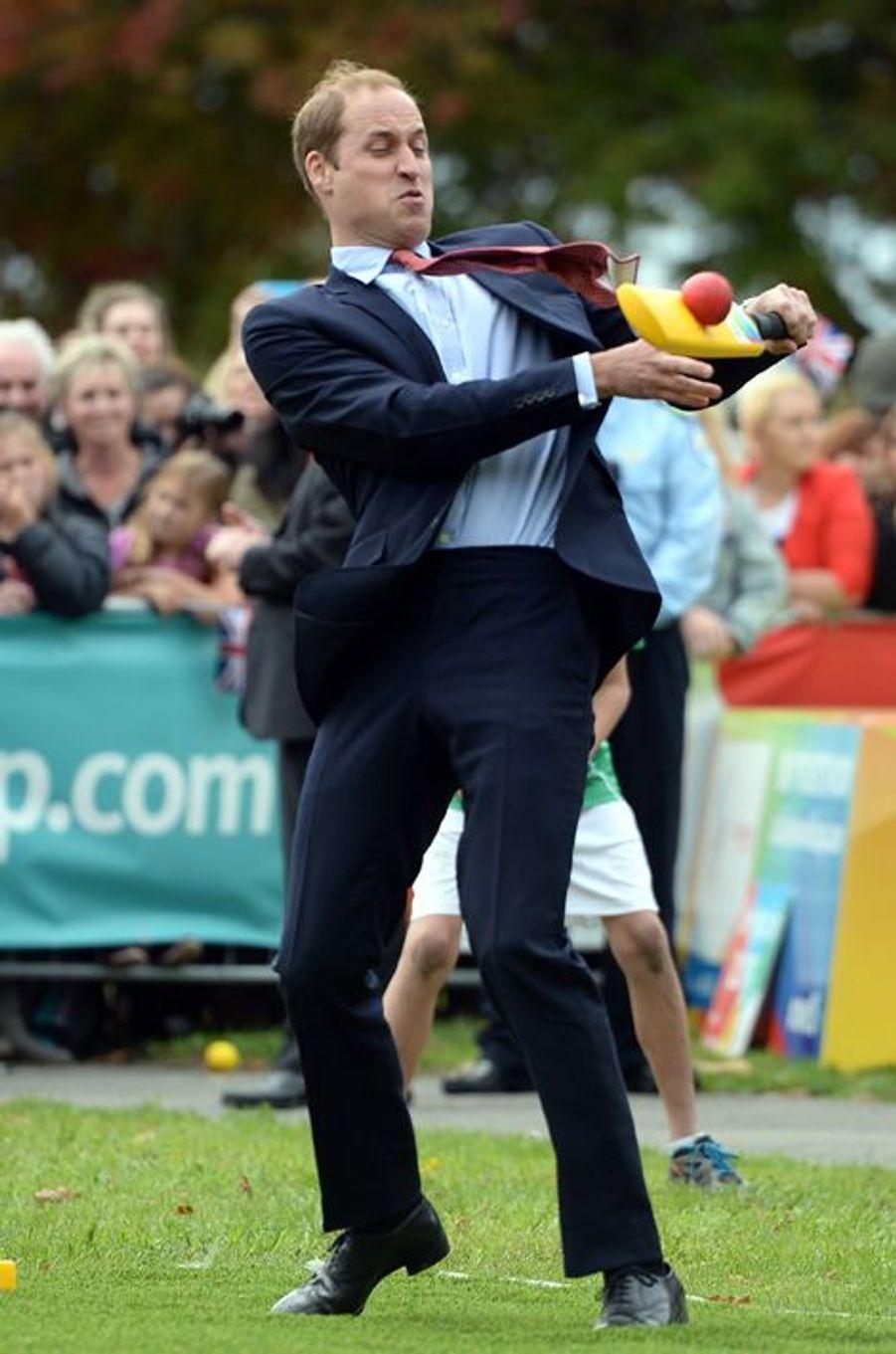 Cricket party pour le prince William à Christchurch en Nouvelle-Zélande, le 14 avril 2014