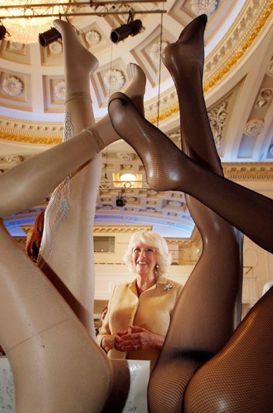Jeux de jambes pour Camilla, à Edimbourg, le 22 juillet 2014