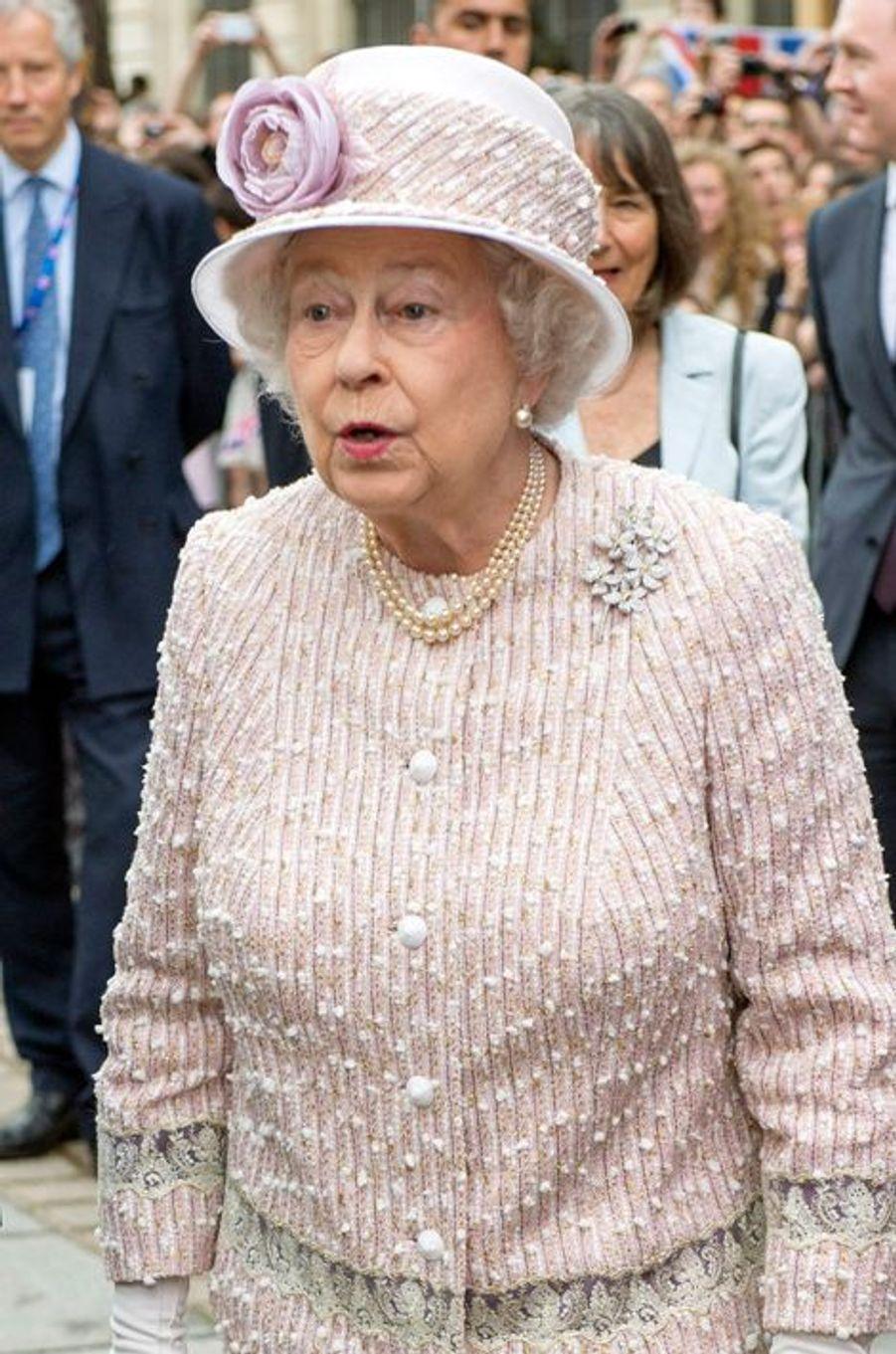 Mais qu'a donc vu la reine Elizabeth ?, à Paris le 7 juin 2014