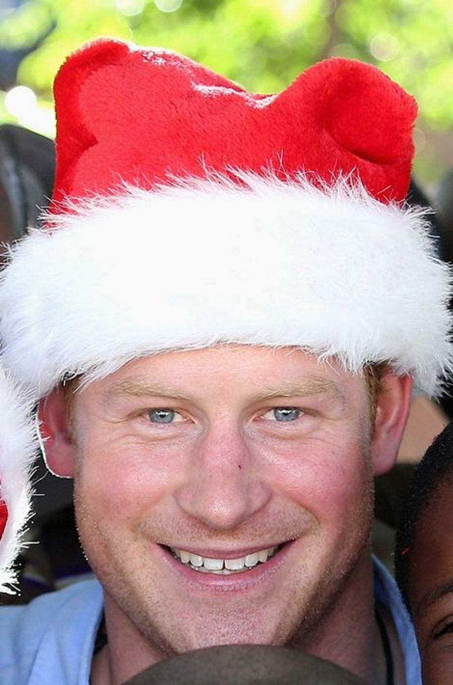Quand Harry joue au père Noël au Lesotho le 5 décembre 2014