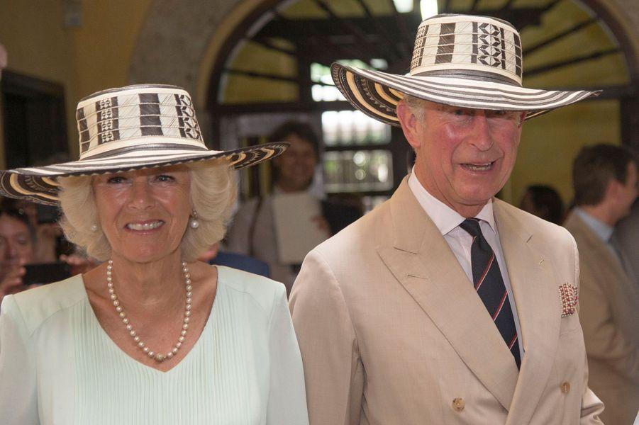 Sacrés panamas pour le prince Charles et Camilla, à Cartagène le 31 octobre 2014