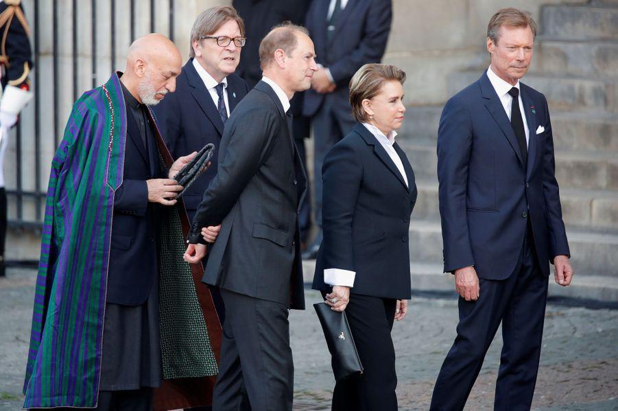Le prince Edward d'Angleterre, le grand-duc Henri et la grande-duchesse Maria Teresa de Luxembourg avec l'ancien président afghanHamid Karzai à Paris, le 30 septembre 2019