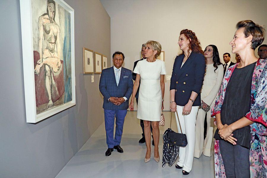 La princesse Lalla Salma et Brigitte Macron visitent l'exposition « Face à Picasso » à Rabat ; un puissant symbole de modernité en terre d'Islam que d'avoir érigé le musée Mohammed VI, seul de ce type sur le continent africain.