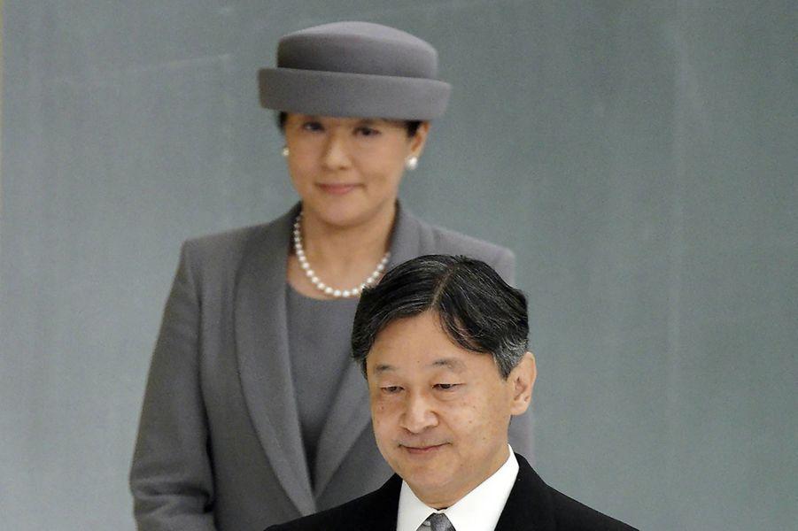 L'empereur Naruhito du Japon avec sa femme l'impératrice Masako à Tokyo, le 15 août 2019