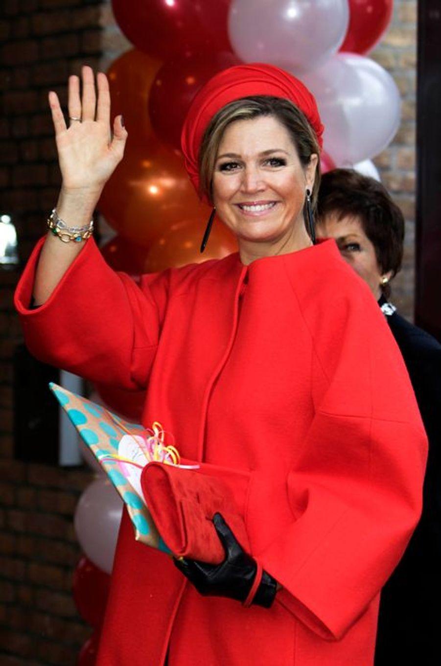 La reine Maxima remet un prix à un centre d'accueil pour enfants à Goirle, le 3 février 2015